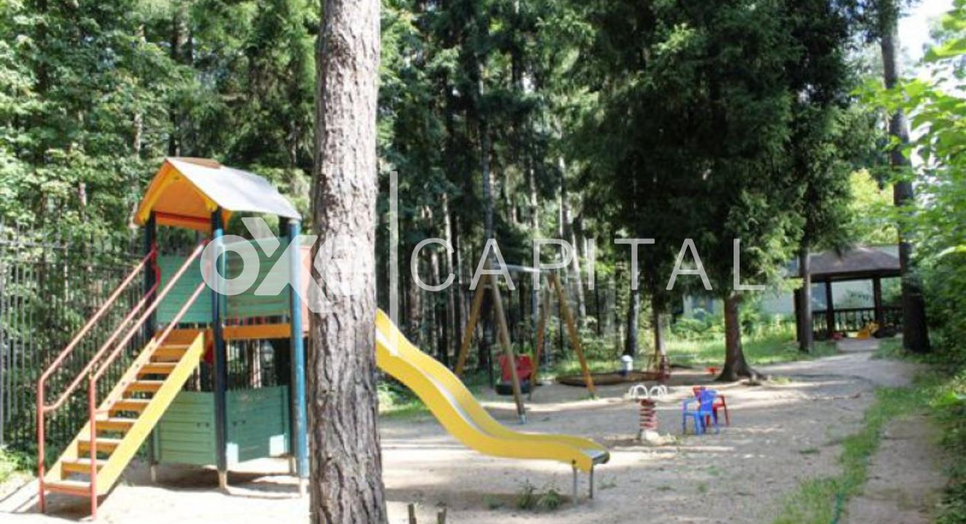 Детская площадка поселка